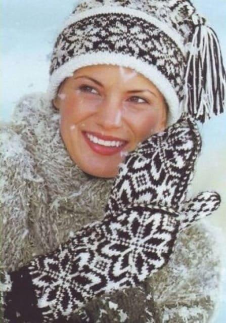 Шапочка со снежинками