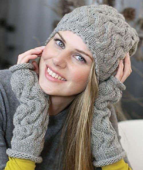 Зимняя шапочка со жгутами