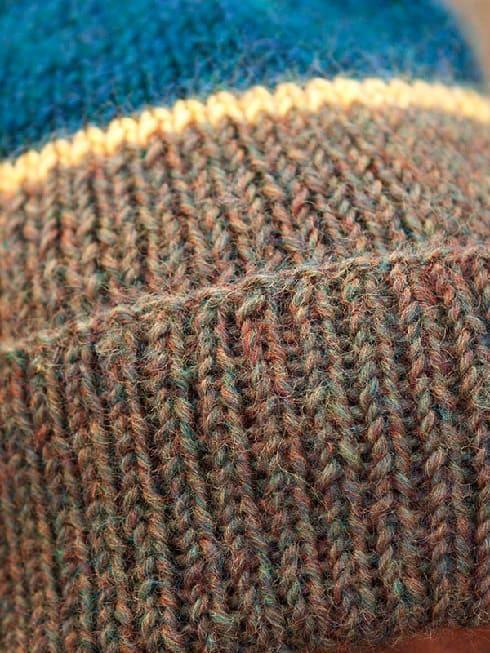 Текстура шапочки резинкой 1х1