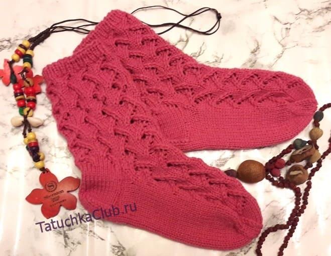 Простые и красивые ажурные носки