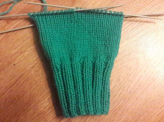 Как связать паголенок носка на 5 спицах